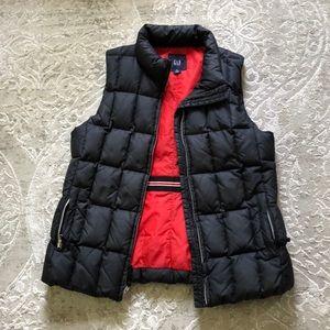 GAP Puffer Vest - red and black - thick- sz medium
